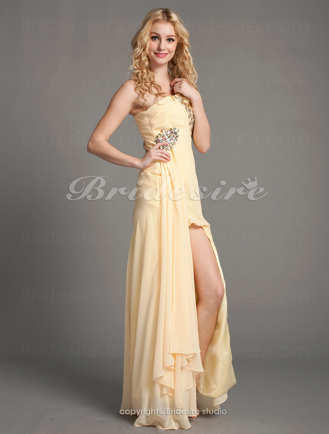 A-Linie Chiffon Sweep/Pinsel Zug One-Shoulder Abiballkleid