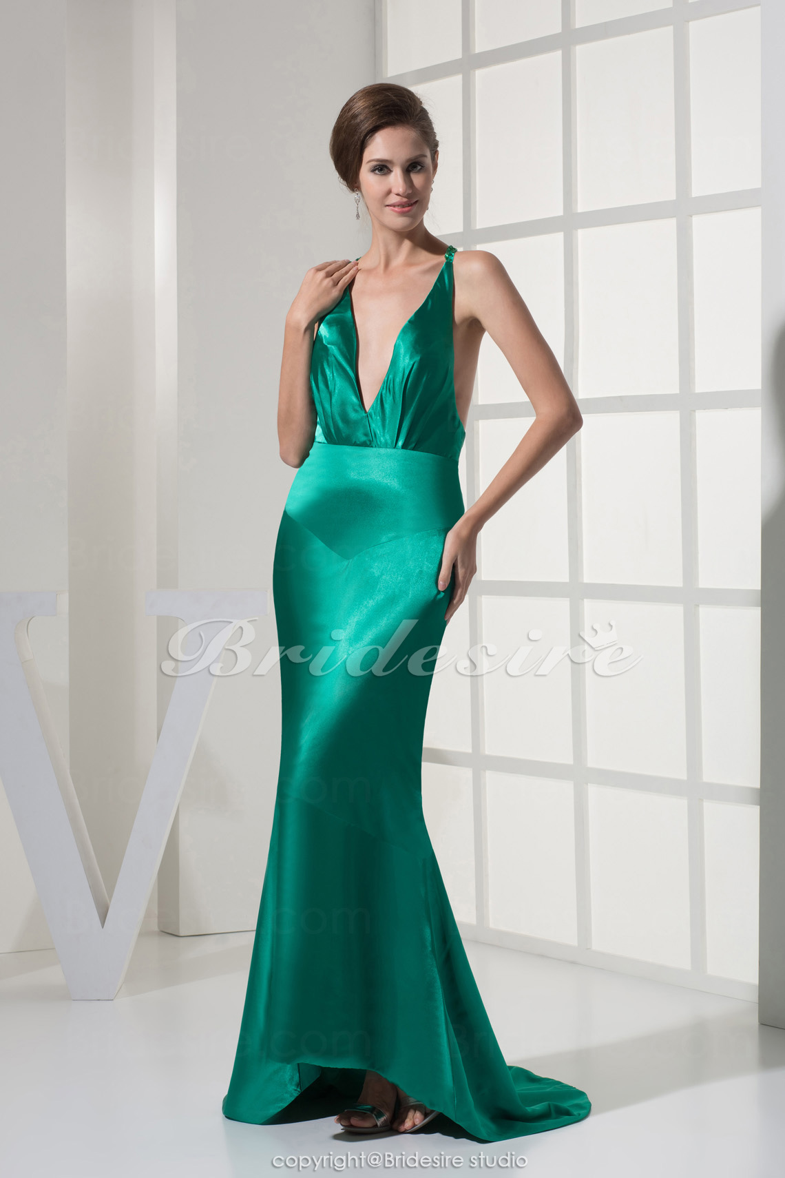 Meerjungfrau-Linie / Mermaid-Stil V-Ausschnitt Sweep/Pinsel Zug ärmellos Stretch-Satin Abiballkleid