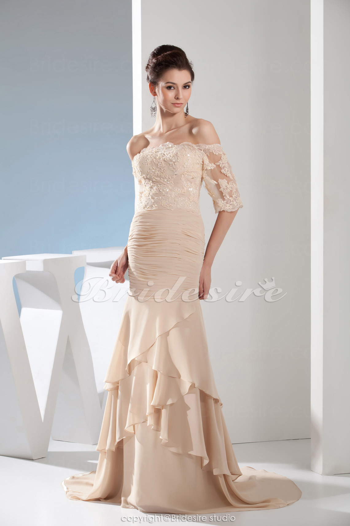 312dbf542683c7 Bridesire - Meerjungfrau-Linie / Mermaid-Stil trägerloser Ausschnitt  bodenlang Sweep/Pinsel Zug Halbe Ärmel Chiffon Kleid [BD4668] - €118.84 :  Bridesire